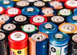 Сравниваем солевые и алкалиновые батарейки
